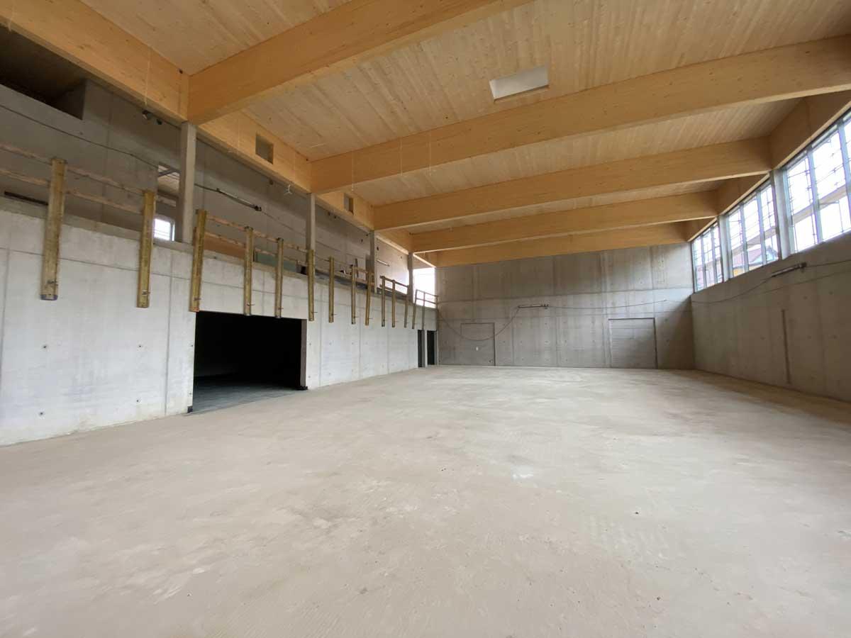 Blick in die neue Sporthalle der Questenberg-Grundschule in Meißen; Foto: hpm