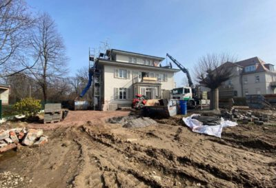 Blick auf die Baustelle des historischen Bischof-Wienken-Hauses an der Tiergartenstraße. Foto: hpm